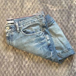 Tommy Hilfiger Boyfriend Jeans!